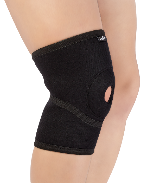Made of Neoprene and designed anatomically. It has open patella area